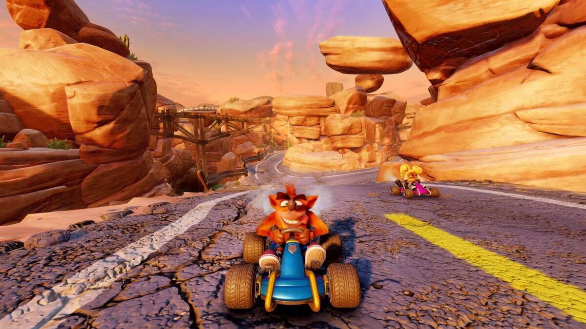 Screenshot da pista Dingo Canyon no Crash Team Racing Nitro-Fueled